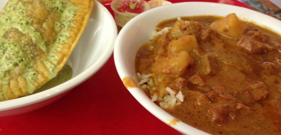 fataya with sauce and peanut beef savs_2