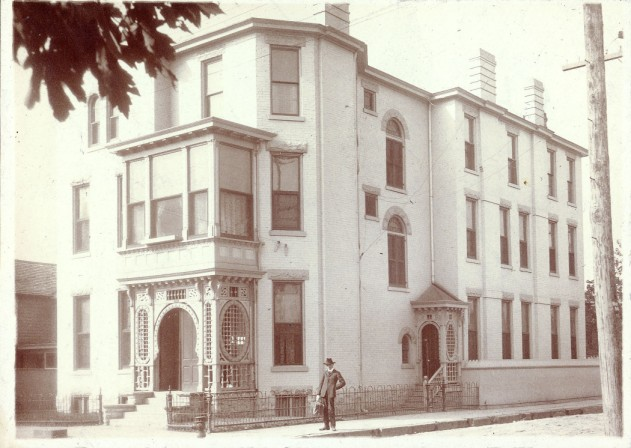 59 Megowan St., Belle Brezing's third and most famous bordello, 1889-1917; Brezing occupied the house until her death. Kentucky Digital Library.